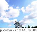 雲層上空 64076109