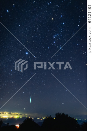 Orion and shooting star 64121403