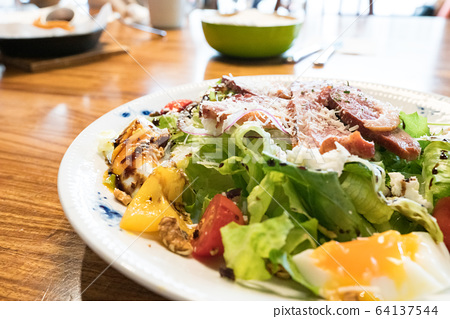 Duck breast salad, including vegetables, fruits, eggs. 64137544
