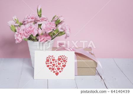 母親節卡片與康乃馨 64140439