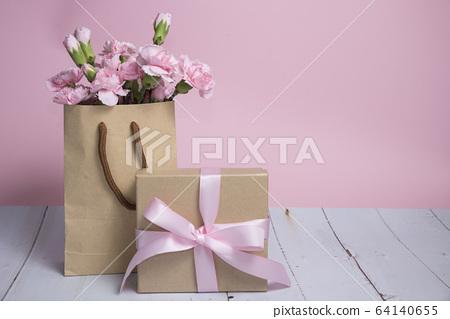 母親節卡片與康乃馨 64140655