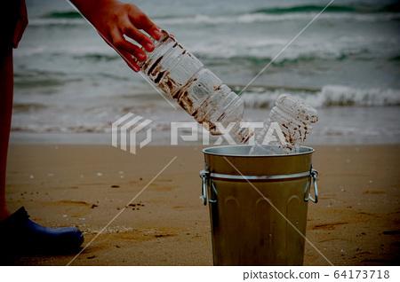 바다의 플라스틱 쓰레기, 해변 청소, 쓰레기 줍기, 해양 오염 등 64173718