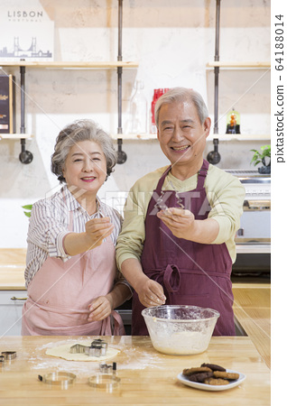 Happy senior life concept. Healthy activities in daily life of senior couple 268 64188014