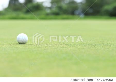 高爾夫球圖像散景上綠色 64269568