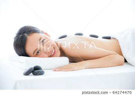美容女人按摩水療雅詩蘭黛放鬆的人素材 64274470