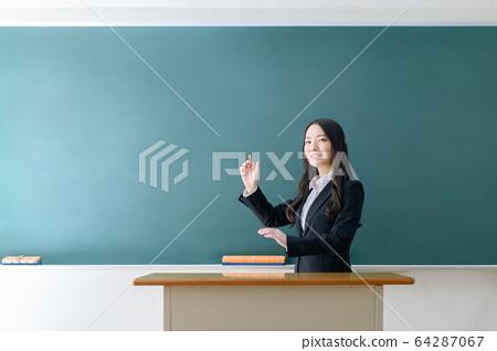 老師,老師,老師,女人,教室,班級 64287067