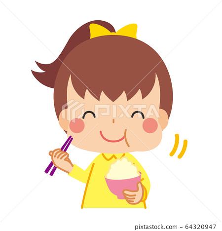 小女孩美味地吃米飯 64320947