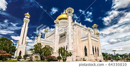 Omar Ali Saifuddien Mosque in Bandar Seri Begawan, Brunei 64330810