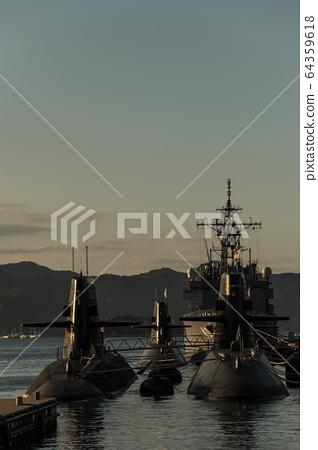 一艘潛艇 64359618