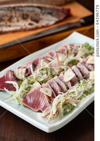 烤鰹魚 64396779