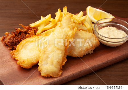 Fish and chips 64415844