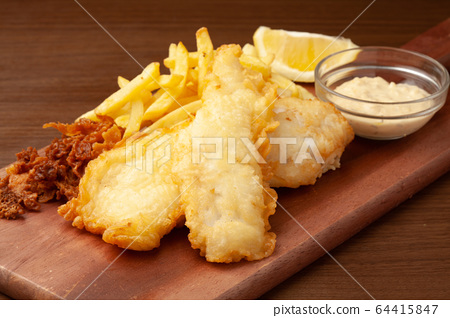 Fish and chips 64415847