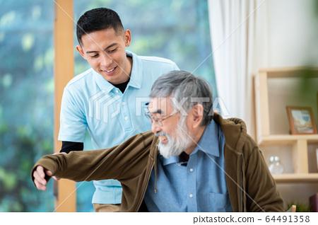 可移動的護理護理圖像高級日托護理護理人員養老院 64491358