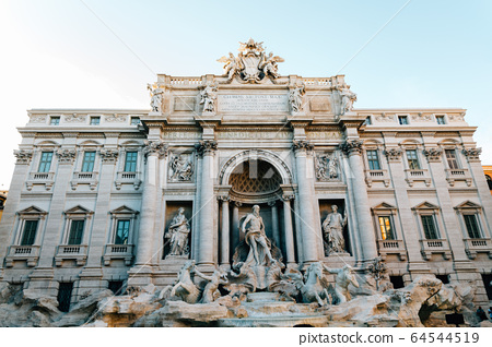 Trevi Fountain in Rome, Italy 64544519