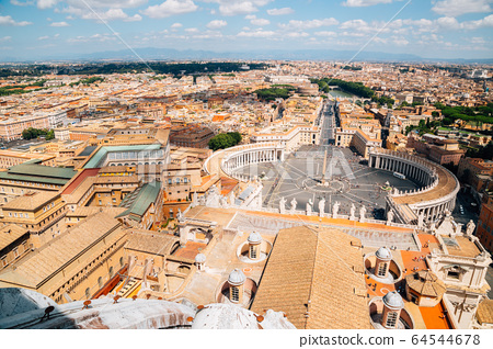 Saint Peter's square in Vatican City 64544678