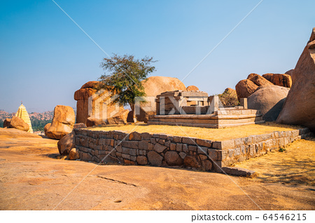Hemakuta Hill Temple, ancient ruins in Hampi, India 64546215