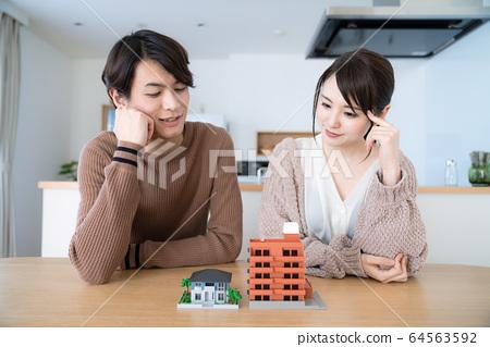 住房和夫妻 64563592