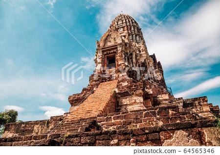 Wat Ratchaburana, ancient ruins in Ayutthaya, Thailand 64565346