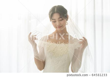 Lifestyle, woman, wedding 64581233