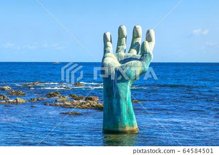 포항 호미곶의 상징, 바다에 설치한 거대한 상생의 손 64584501