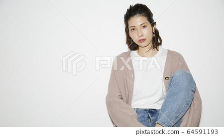 女性肖像 64591193