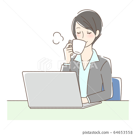 在電腦前喝咖啡的女人 64653558