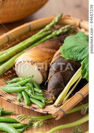 漏勺春季蔬菜 64687236