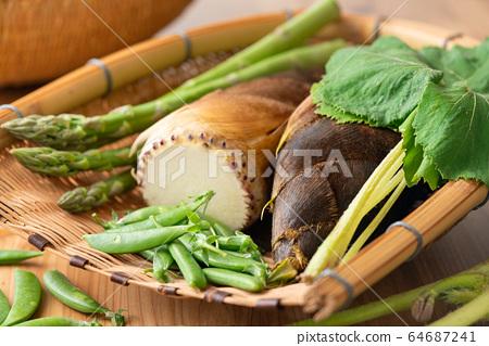 漏勺春季蔬菜 64687241