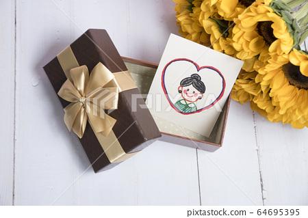 어머니의 날 카드 및 선물 64695395