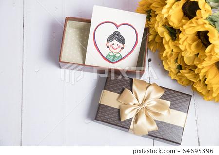 어머니의 날 카드 및 선물 64695396