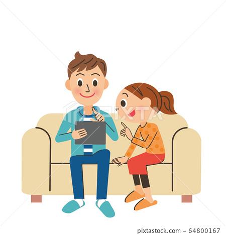 我在沙发上放松的同时正在寻找信息。 64800167
