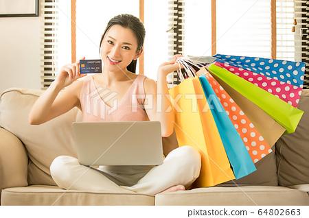 少婦個人電腦EC在線購物郵購購物者資料 64802663