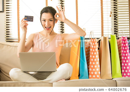 少婦個人電腦EC在線購物郵購購物者資料 64802676