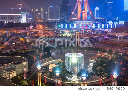 <上海>陸家嘴的夜景,摩天大樓 64943090