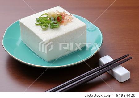 冷豆腐 64984429