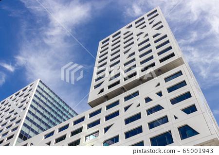 Modern white building in Utrecht 65001943
