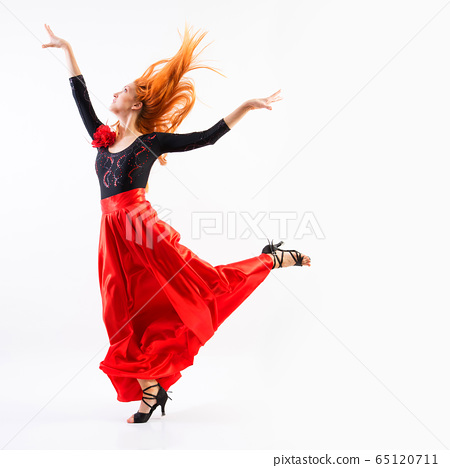 Modern style dancer jumping 65120711