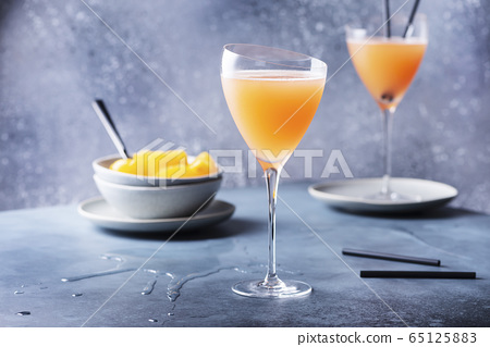 Traditional Italian cocktail bellini 65125883