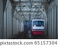 火車穿越鐵橋 65157304