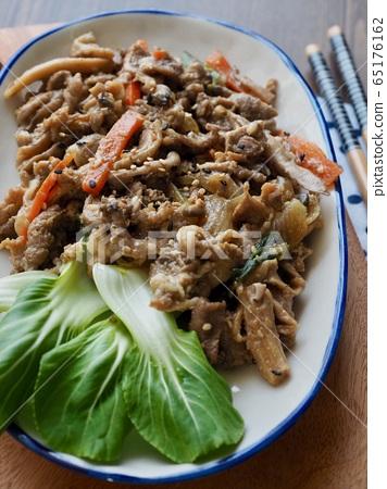 한국의 전통음식 돼지 불고기  65176162
