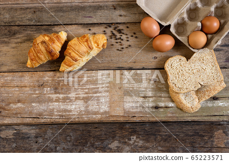 Freshly baked  French croissant bakery and egg 65223571