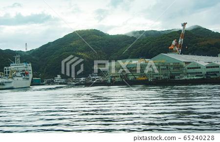 나가사키 항에서의 풍경 조선소 65240228