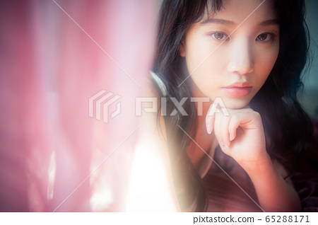 뷰티 미용 여성 아시아인 1인 포트레이트 65288171