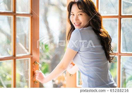 라이프 스타일 여성 아시아인 1인 포트레이트 65288216