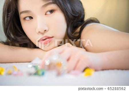 뷰티 미용 여성 아시아인 1인 포트레이트 65288562