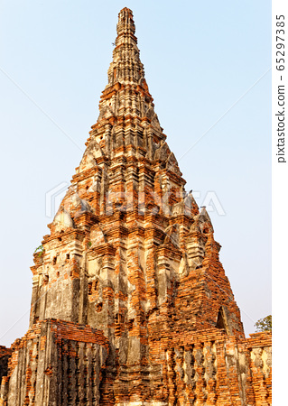 Wat Chaiwatthanaram temple in Ayuthaya Historical 65297385