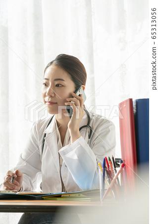 Business, woman, hospital 65313056