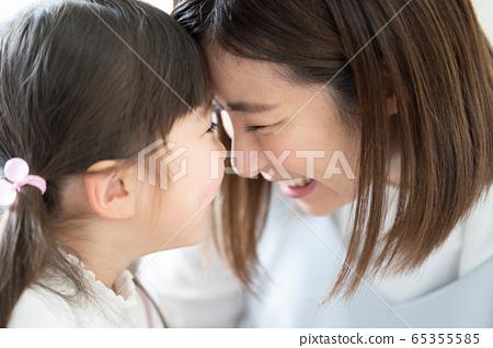 여자 엄마 스킨십 65355585