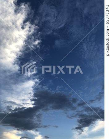 Blue sky 4 of Tama River 65375341