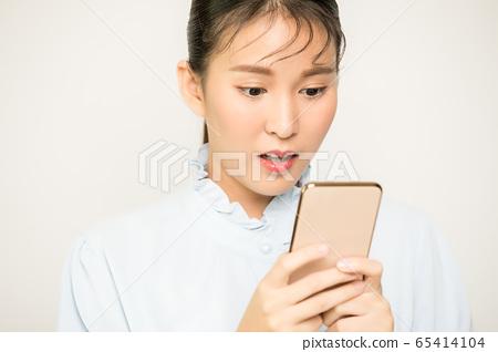 可爱漂亮的女性上班族商务手机智能手机人素材 65414104